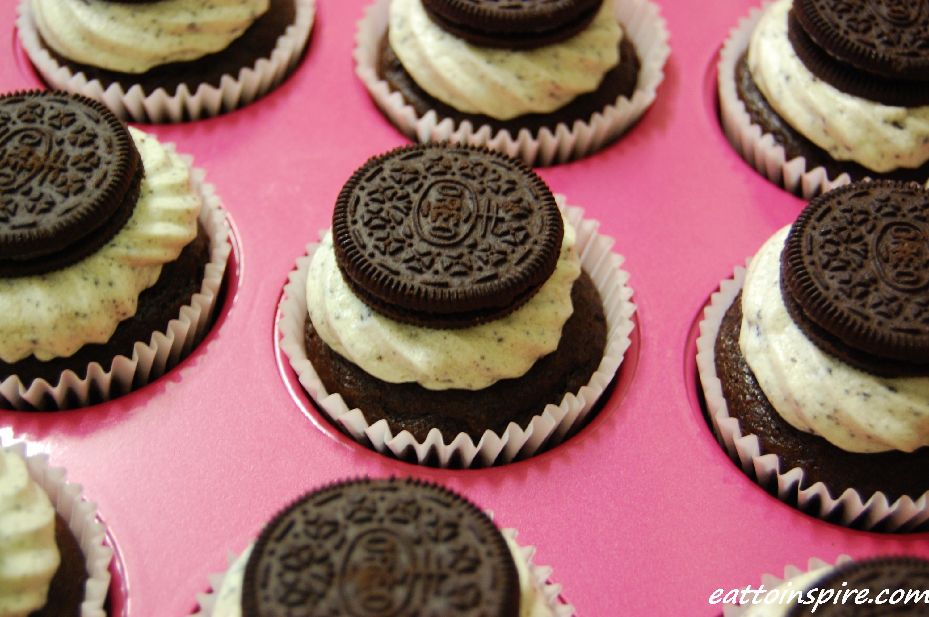 Vegan MoFo 2014: Vegan Cupcakes Take Over The World | Eat ...